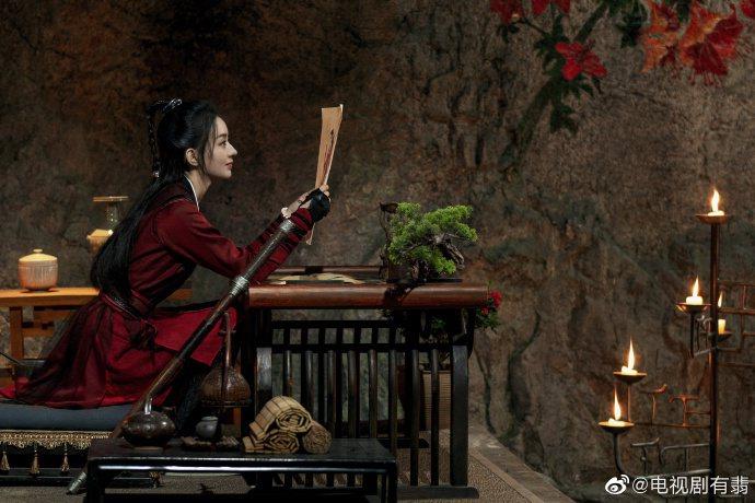 趙麗穎演出「有翡」日前已停拍。圖/摘自微博
