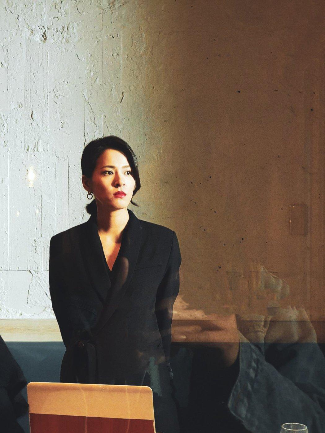 蘇晏霈在「多情城市」中改變造型,一步步進行「大老婆的反擊」。圖/民視提供