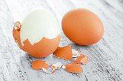 你丟掉的,其實更營養!專家教你怎麼吃蛋殼、蘋果核