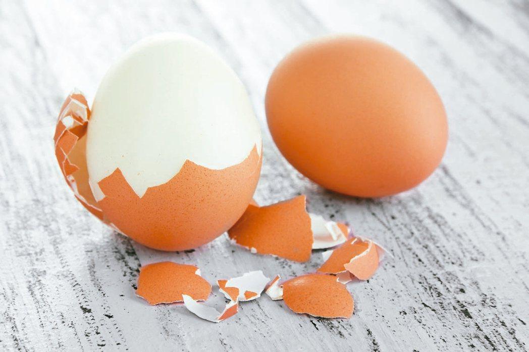 蛋殼含鈣量比牛奶多