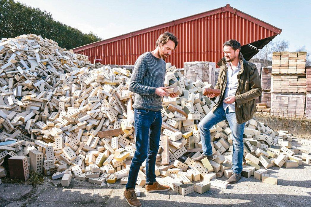StoneCycling利用建築廢棄物做為生產磚頭的原料,將可帶來更高值的衍生應...