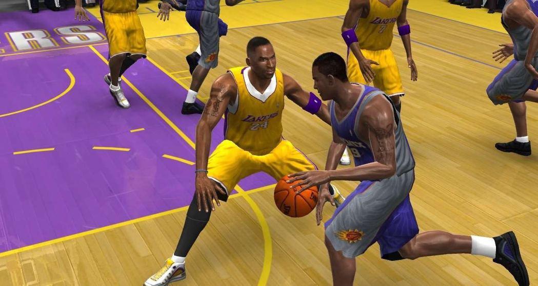 《NBA 07》是NBA官方授權遊戲,而且更對應網路功能,玩家每周可免費下載五場...