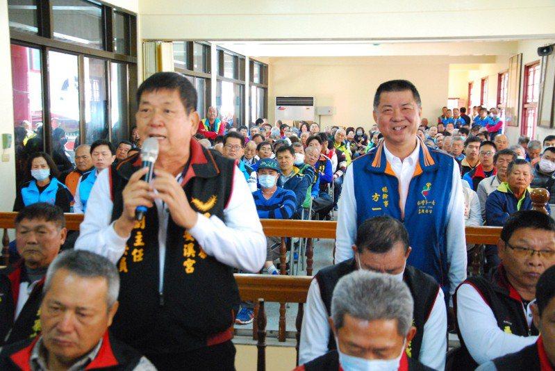 台南西港慶安宮舉行「落廟」會議 噢,會中祈求武漢肺炎遠離台灣。記者謝進盛/攝影