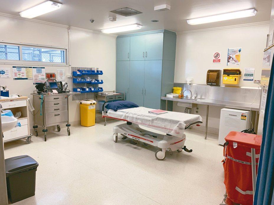 澳洲耶誕島移民拘留中心的醫療設施。 歐新社