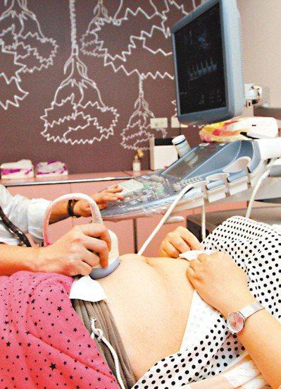 國健署補助準媽媽產前檢查,包括一次超音波檢查。 圖/聯合報系資料照片
