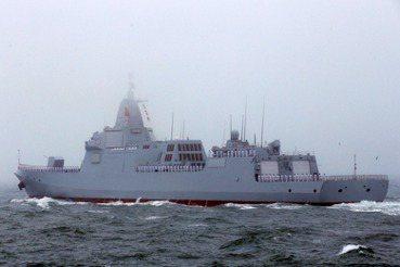 下水餃的開始:中共055型驅逐艦劍指台灣?