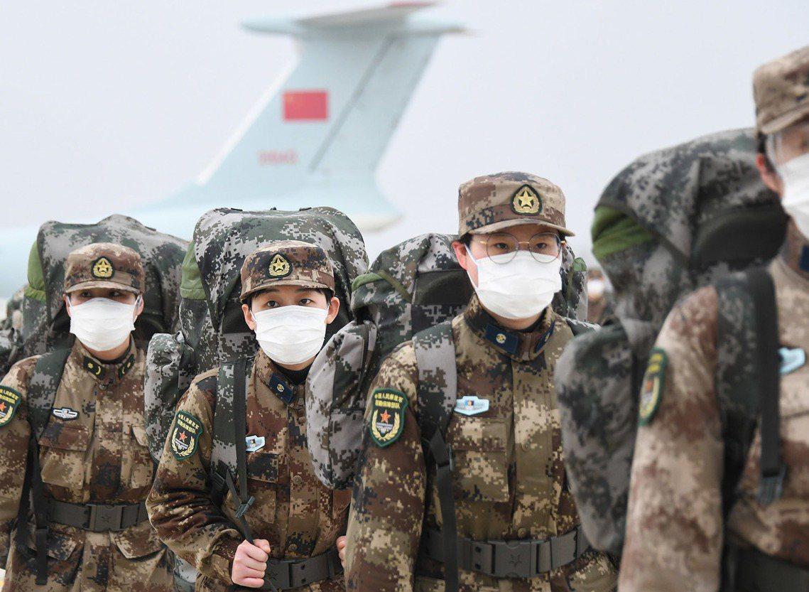 武漢火神山醫院在完工之後,立即由解放軍的聯勤保障部隊接管,同時從中國的解放軍部隊...
