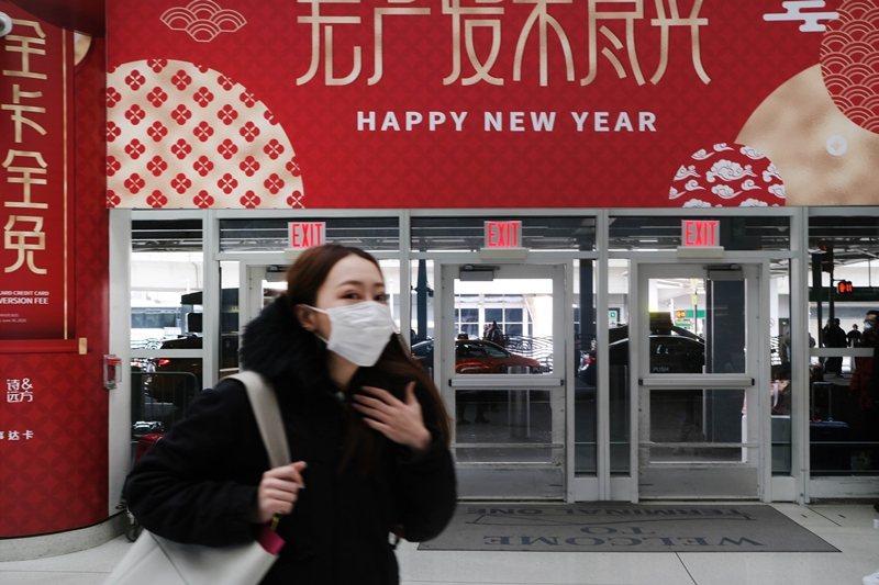 若非美國公民,過去14天內曾經前往中國者將不許入境美國。圖為紐約甘迺迪國際機場。...