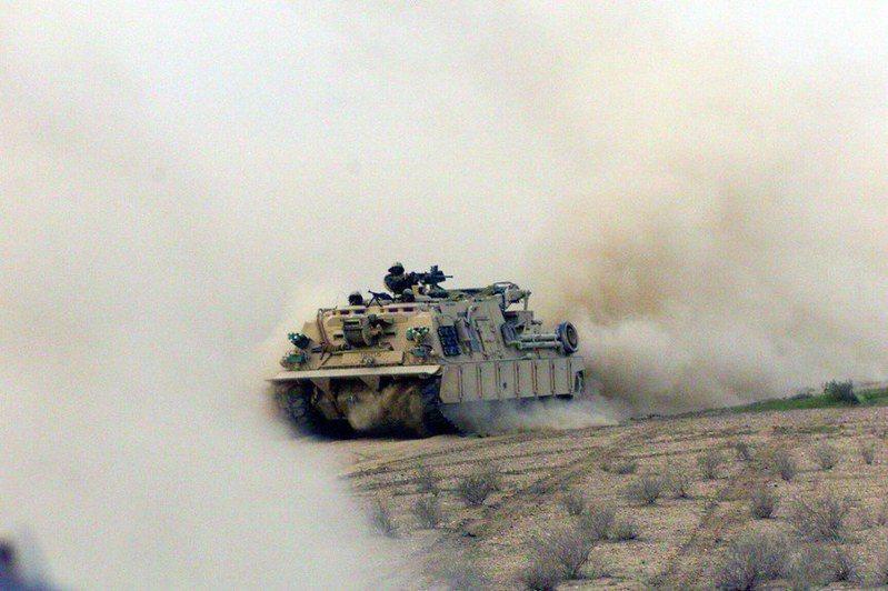 土耳其軍隊將200輛以上的裝甲車、坦克運往敘利亞,戰局已到最緊要的關鍵時期。(photobyFlickr)