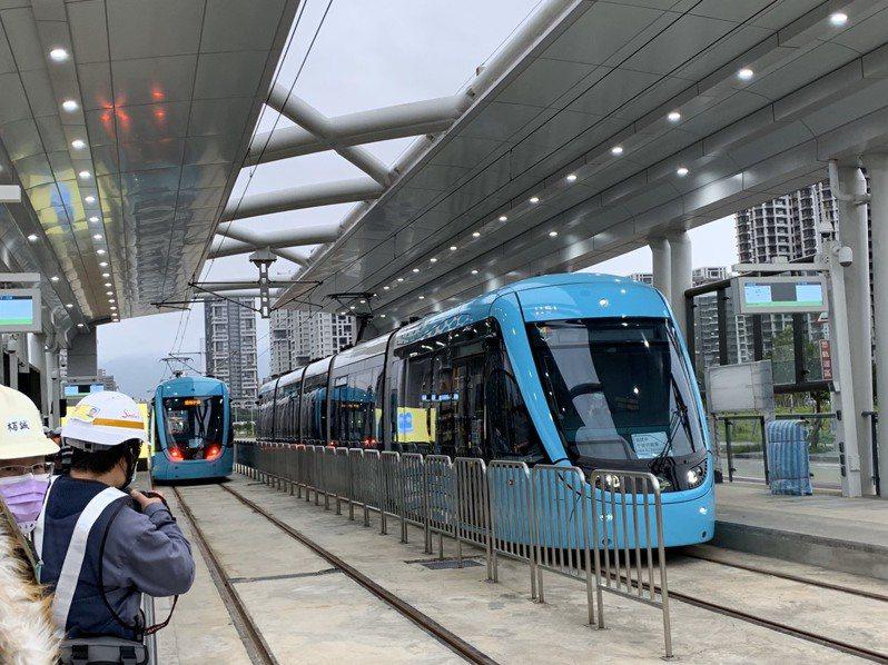 淡海輕軌第一期藍海線預計今年通車,目前正在進行3座車站的測試作業。記者張曼蘋/攝影