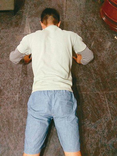 在運動、工作與生活步調上,因上班長時間坐著,難免腰痠背痛。改善之道,要求自己一周...