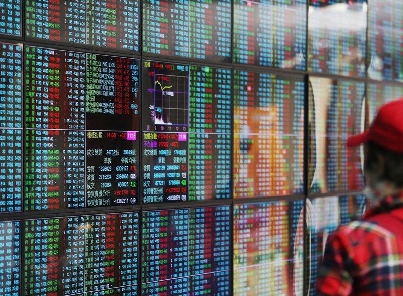 台積電今日以330.5元開高,盤中漲幅1.06%,領軍台股反彈。 聯合報系資料照/記者林澔一攝影