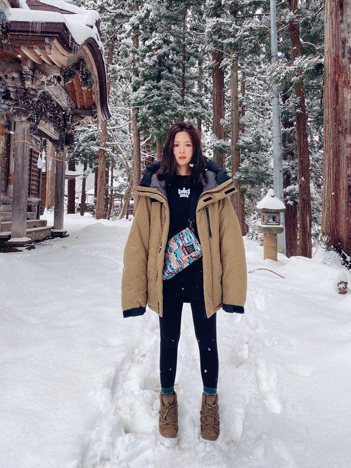 吳怡霈過年去日本滑雪。圖/摘自臉書