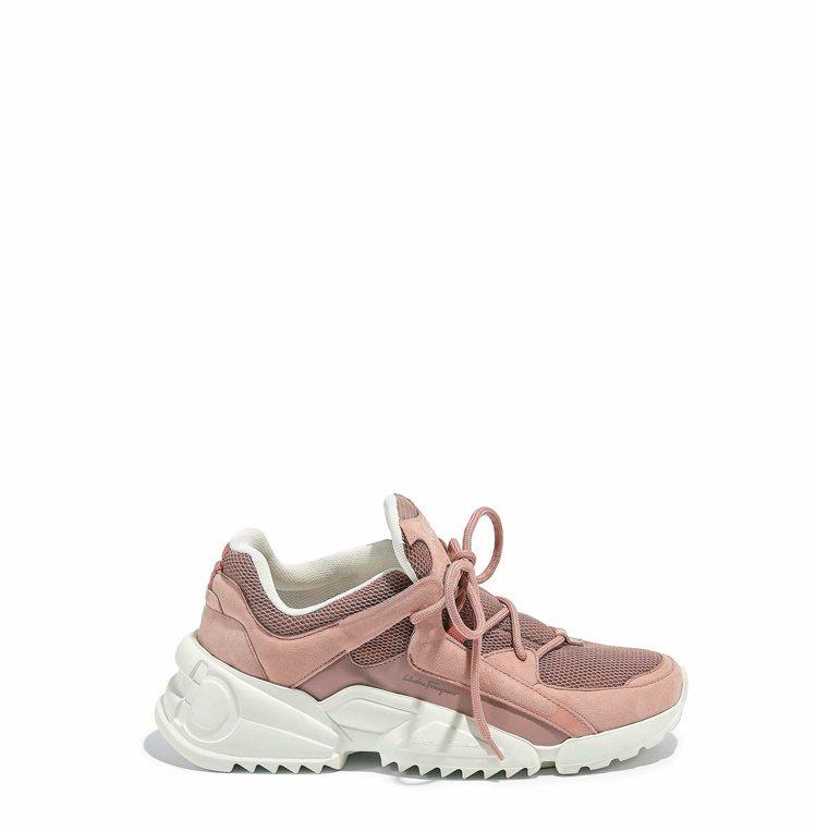 SKYLAR粉紅色多材質拼接休閒鞋,29,900元。圖/Salvatore Fe...