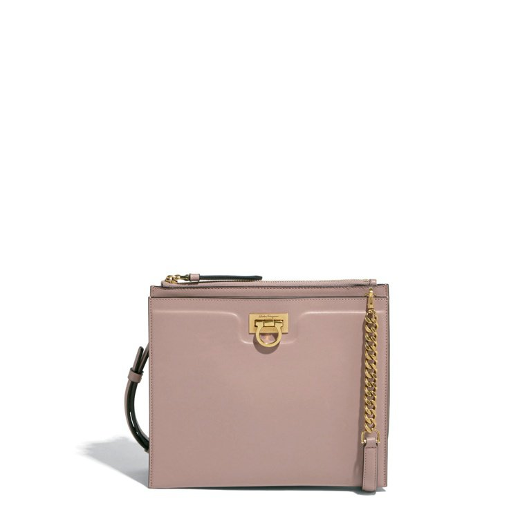 TRIFOLIO粉色牛皮肩背包,69,900元。圖/Salvatore Ferr...