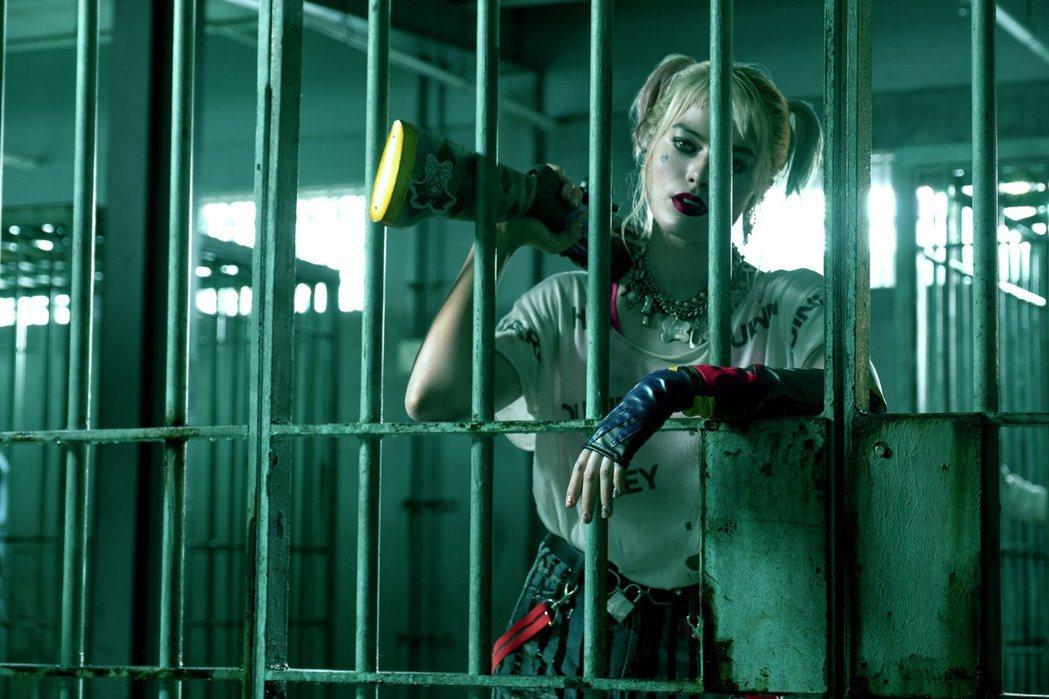 「小丑女」瑪格蘿比在新片「猛禽小隊」大變裝,展現20種造型。圖/華納兄弟提供