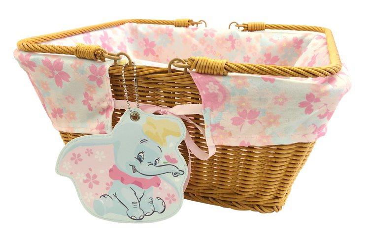 櫻花季野餐籃(小飛象款)售價699元。圖/邁思娛樂提供