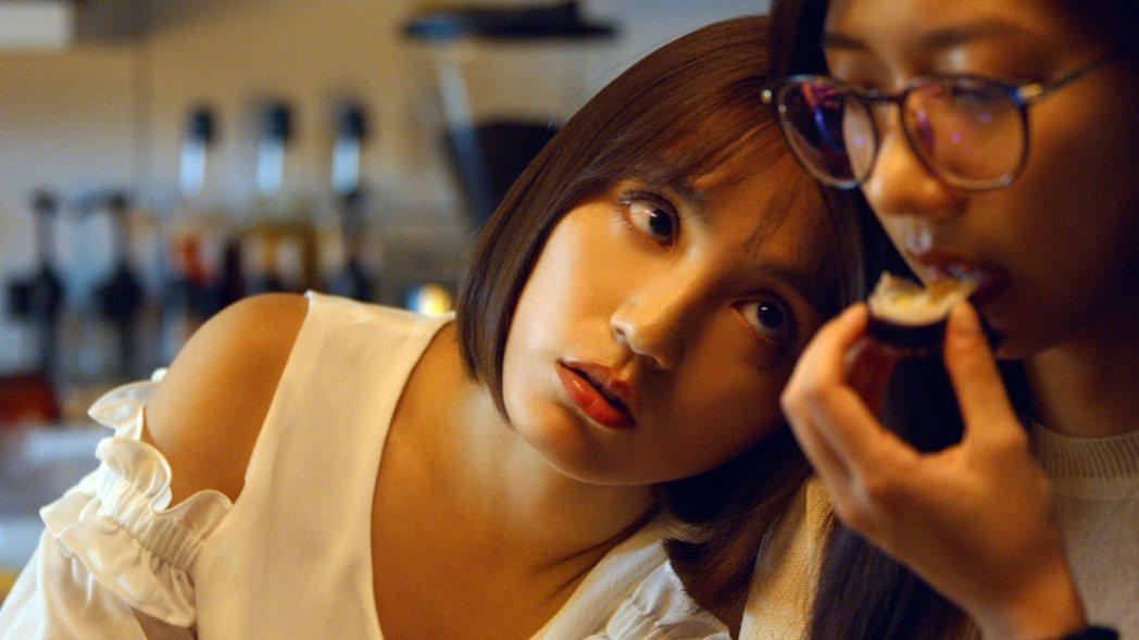 Dora(左)與陳妤飾演閨蜜。圖/劇組提供