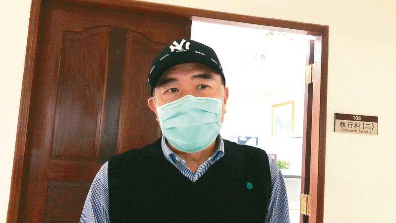 台南市議會前議長李全教賄選判九月定讞,昨天到台南地檢署報到,隨後發監執行。 記者邵心杰/攝影