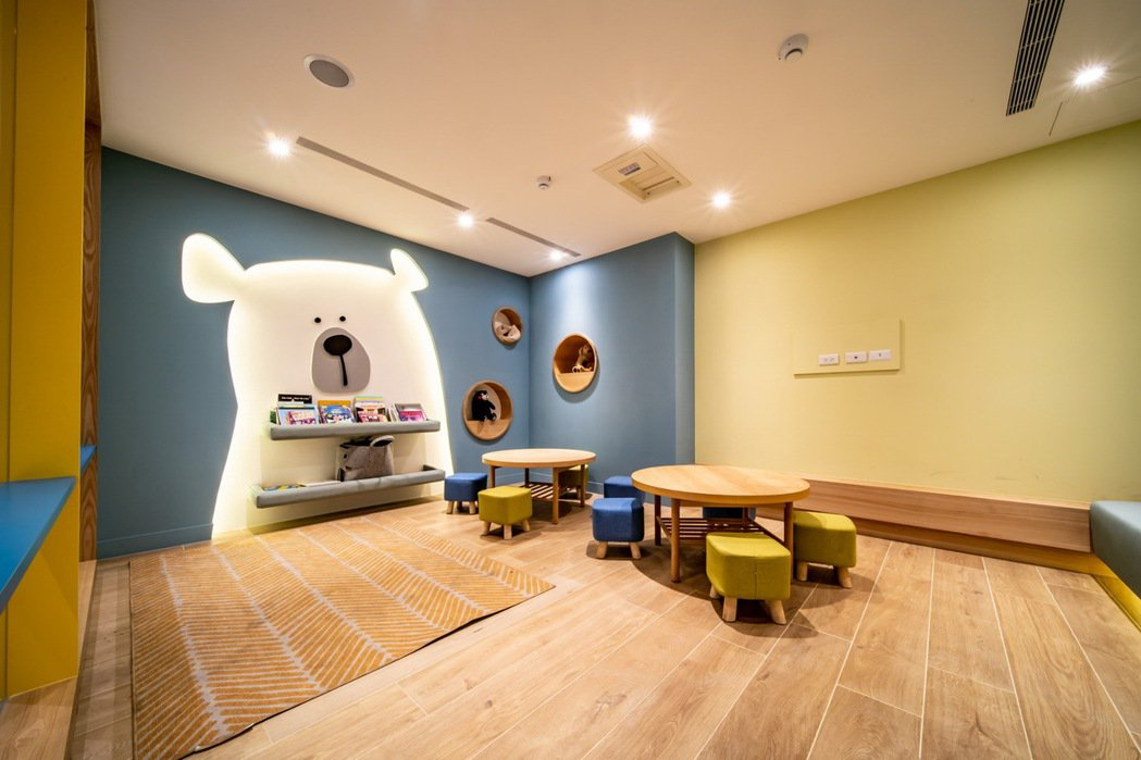VOLVO 於此次的 VRE 升級工程加入兒童專屬的遊戲室、新手爸媽專屬的哺乳室...