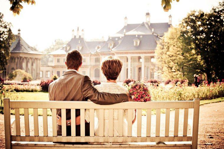 兩個相愛的人,為了獲得完整的愛,彼此都必須努力。 圖/pixabay