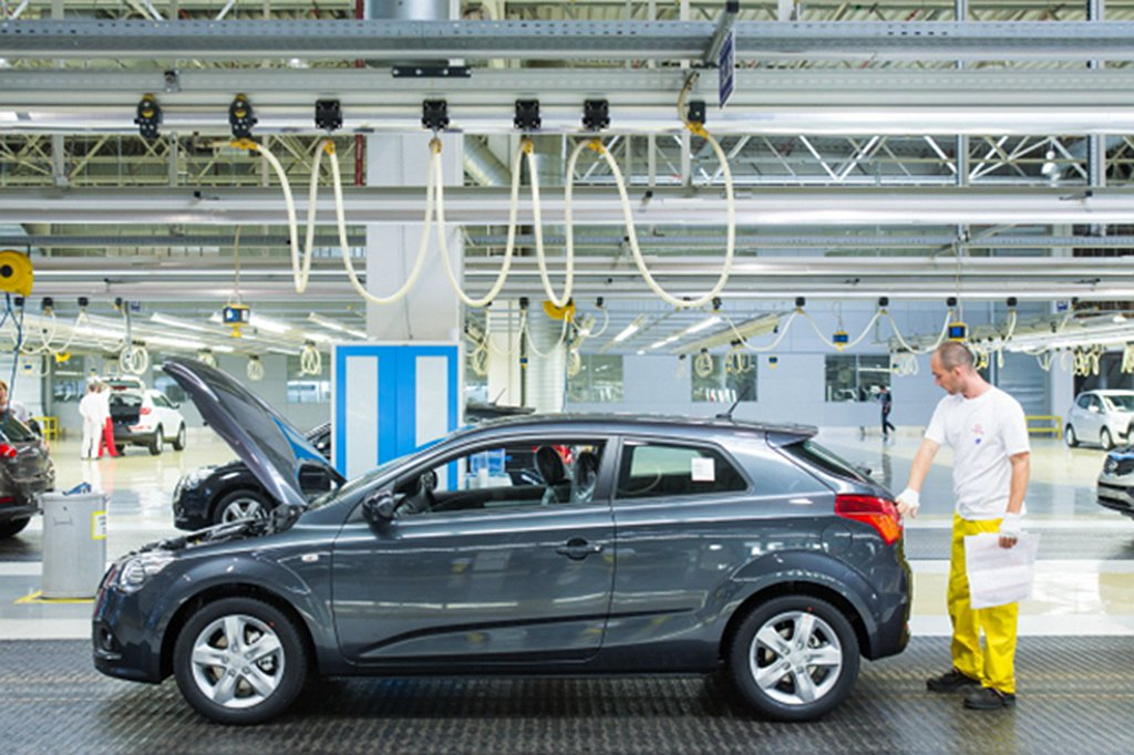 Hyundai汽車韓國廠停產主因來自中國供應的線路短缺,使新車無法完成組裝作業。...