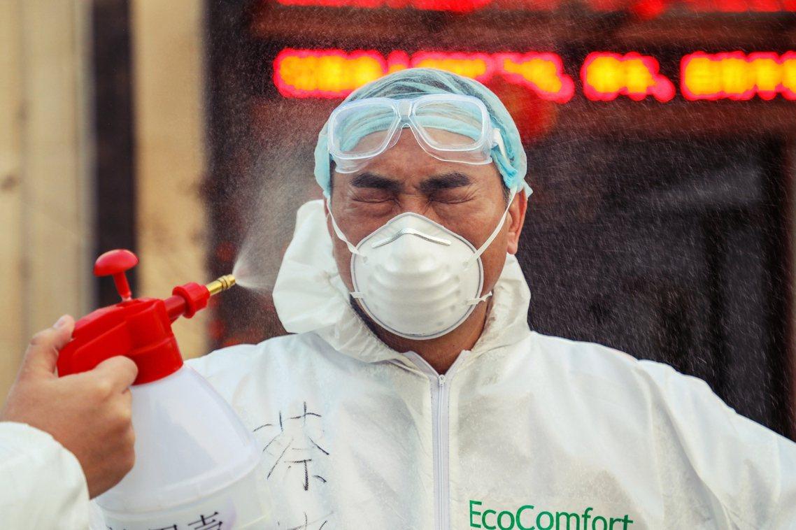 尤其顧忌「防疫面子掛不住」的北京當局,日前才譴責美國、澳洲的中國旅客入境限制,私...
