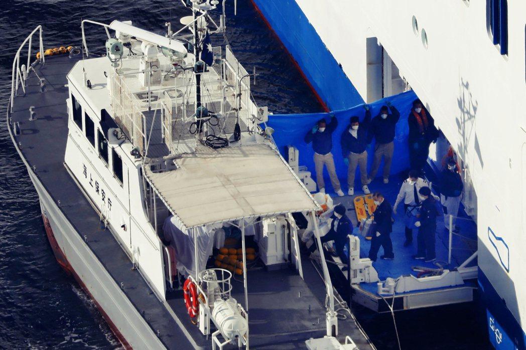 船上共有10人確診為武漢肺炎(其中3人為日本籍;3人中國籍、2人澳洲籍、1人美國...