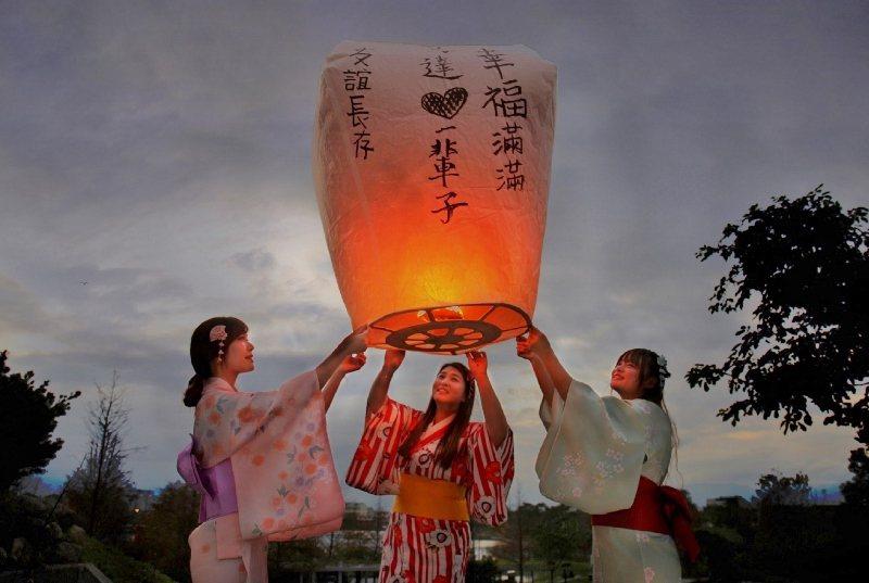 元宵節將屆,綠舞以廣大園區優勢,特別開放指定期間讓旅客施放環保天燈。 業者/提供
