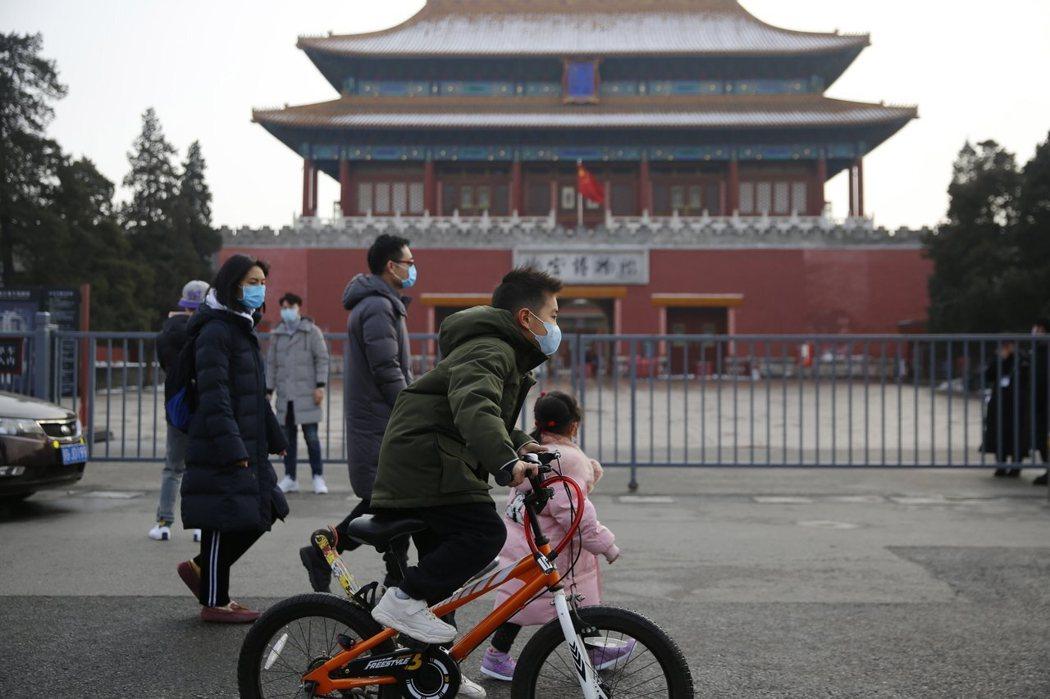 北京市政府官員坦承,全市目前已發現41起武漢肺炎群聚感染案例。 歐新社
