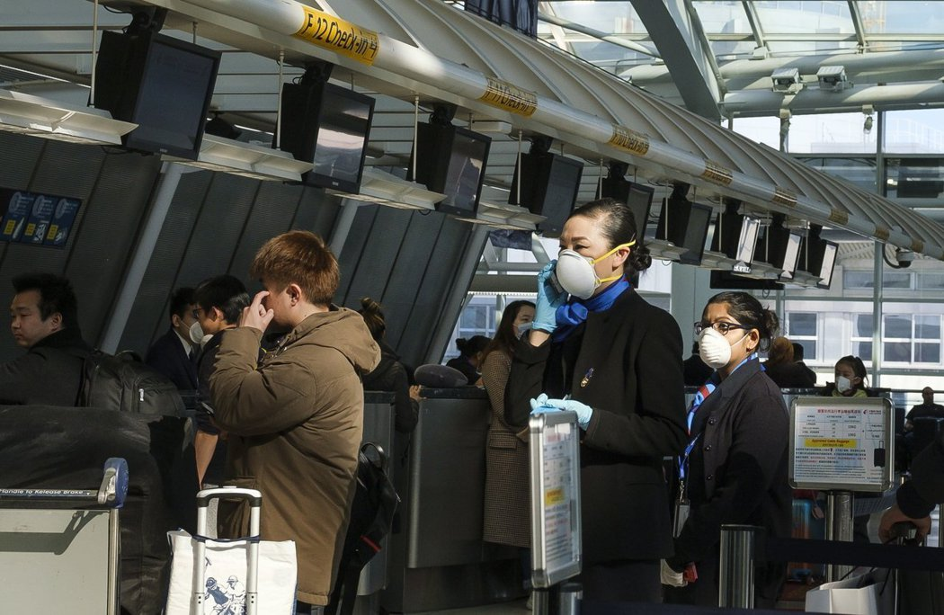 武漢肺炎/關於駐美中國記者抱怨趕封關入境紐約,談為何有些中國人可以這麼自私?