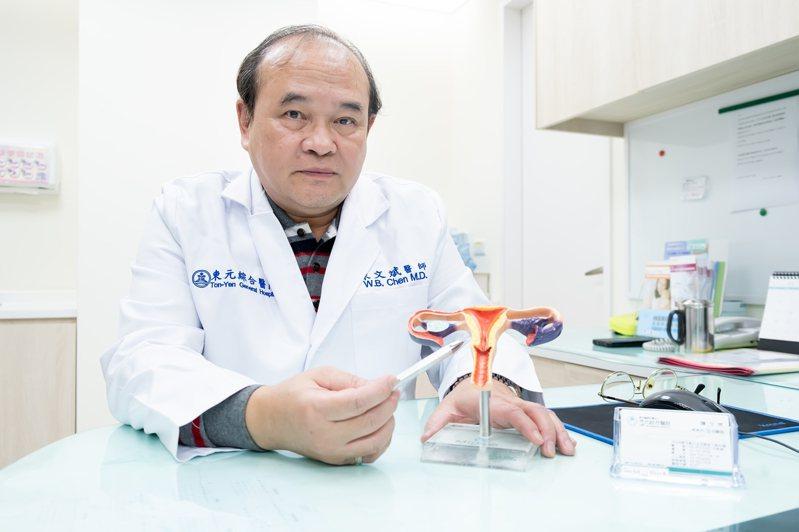 東元綜合醫院婦產科醫師陳文斌表示,子癲前症患者的PIGF濃度較低,血管擴張不佳,隨著胎兒增大,血管的管徑大小若差1倍,產生的血流將差16倍,影響胎兒生長。記者陳斯穎/攝影