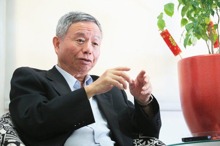 台灣病友聯盟理事長、前衛生署長楊志良表示,健保給付應考慮使用者的付費能力,應讓付...