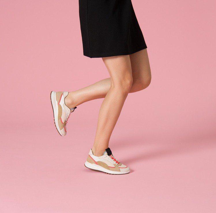 ECCO ST.1系列文青米女鞋,售價7,680元。圖/ECCO 提供