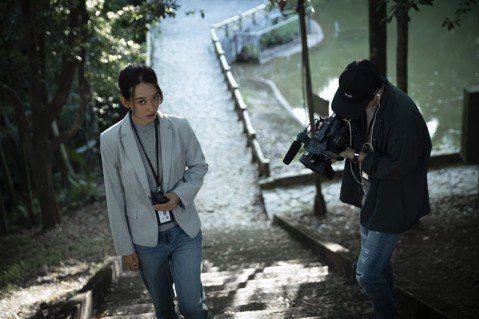孟耿如在電影「女鬼橋」飾演社會新聞記者帶領觀眾進入校園靈異事件,踏上傳說中「靈異第14階」的女鬼橋,自己試膽、同時也挑戰觀眾的膽量。她分享唯一1次的靈異經驗,卻出乎意料地溫馨。有一次她在演出時呼吸不...
