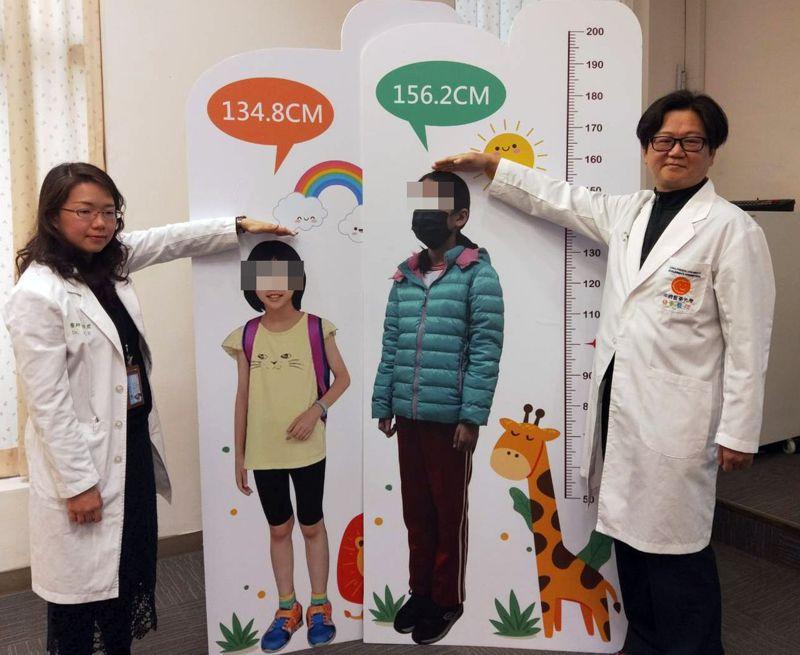 中國醫藥大學附設醫院與中國醫藥大學兒童醫院合作開設「兒童生長發育聯合門診」,姜姓女童(中)如今性徵表現屬於正常青春期範圍,身高156.2公分,還在持續長高中。圖/中國醫藥大學兒童醫院提供