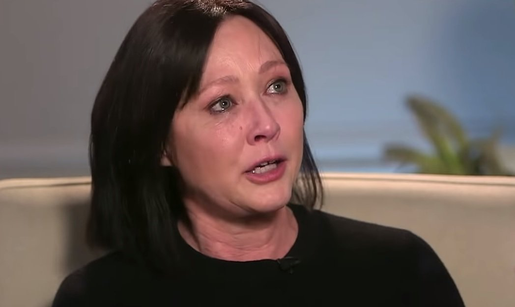 香儂道荷蒂在電視訪問中淚訴乳癌復發,已是第4期。圖/擷自YouTube