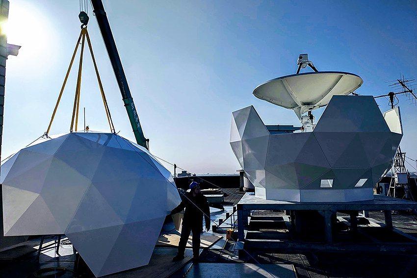 衛星地面追蹤、通訊設備將成為未來通訊衛星群的必備科技。也是這次博覽會的展示重點。...