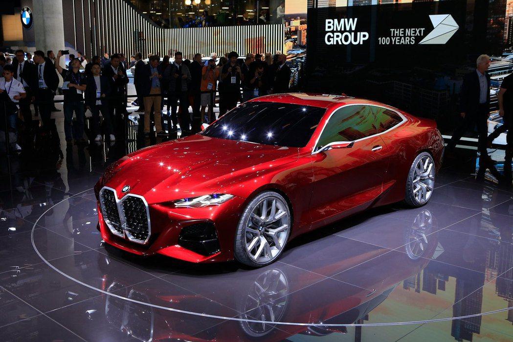 BMW Concept 4有著令人「無法忘懷」的大鼻孔。 摘自Carscoops