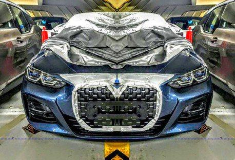 不要誤會這不是KIA 新世代BMW 4 Series露出他的大鼻孔了!
