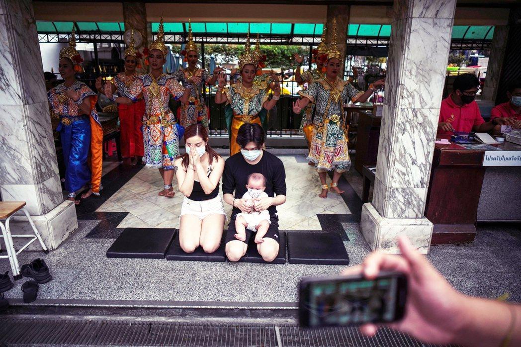 武漢肺炎要錢不要命?泰國「大開國門」的佛系防疫