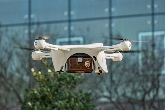 醫藥空運:在北卡羅萊納州的羅利市,UPS使用無人機在維克梅德醫院運送血樣和尿樣。...