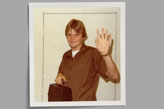 圖為穿著UPS制服的大衛·艾布尼,照片攝於1977年的密西西比州,當時他剛剛進入...