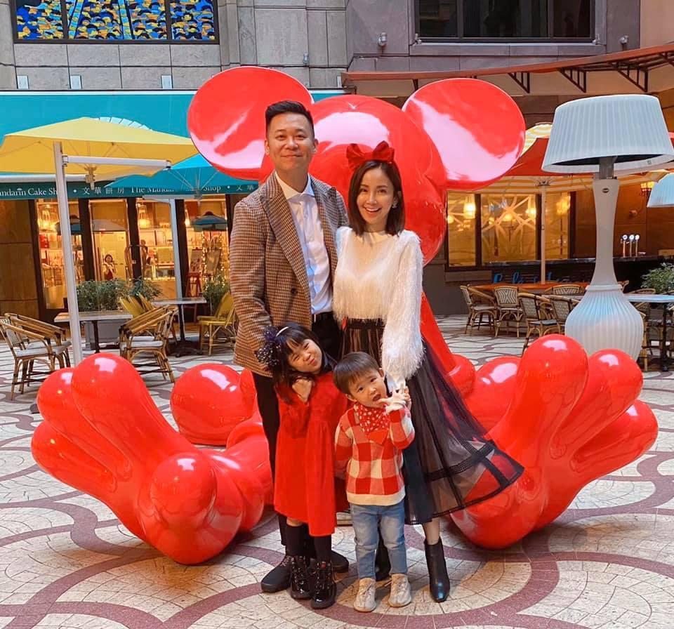 孫樂欣(左)和鍾欣怡婚後育有一對子女,婚姻美滿。圖/摘自臉書
