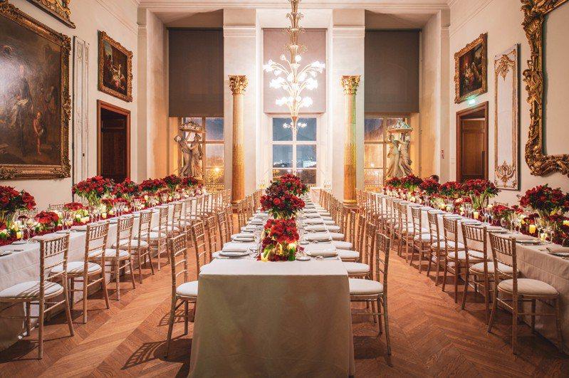為了慶賀紅寶側飛蝴蝶胸針為巴黎裝飾藝術博物館永久收藏,Cindy Chao特別舉辦了盛大的社交晚宴。圖╱Cindy Chao提供。