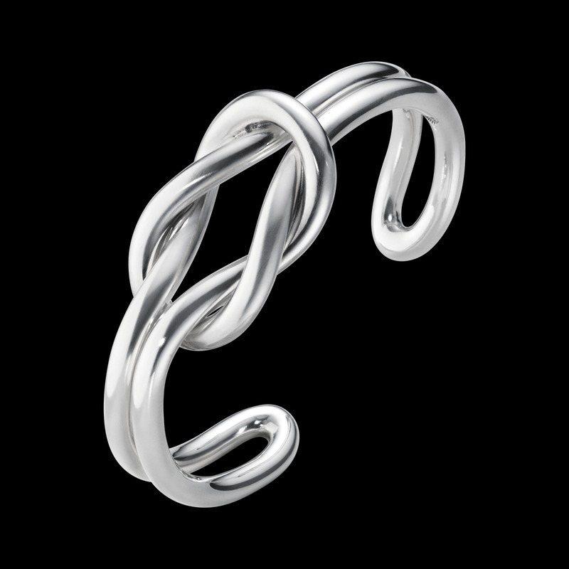 Georg Jensen,Love Knot純銀手鍊,17,000元。圖╱Georg Jensen提供。
