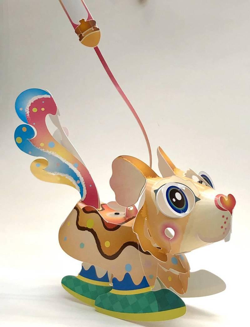 即日起至二月十日,在「玩具變變變 創客養成記」現場票亭購買全票,即送限量鼠年DIY花燈。圖/野蜂國際開發提供