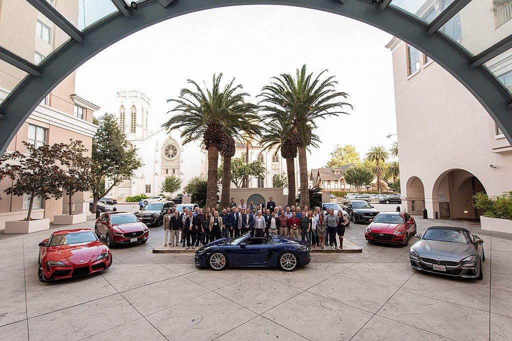 決選名單於3月瑞士日內瓦車展前公布,最終得獎名單則是在4月美國紐約車展前宣布。 ...