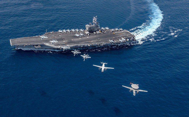 部署在西太平洋的美雷根號航空母艦 。 圖/美國海軍