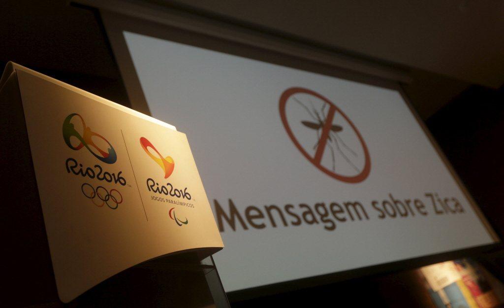 2016里約奧運Logo,後方為茲卡病毒訊息看板。 圖/路透社